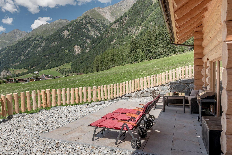 chalet tirol ihr ferienhaus im tztal chalet resort chalet resort s lden. Black Bedroom Furniture Sets. Home Design Ideas