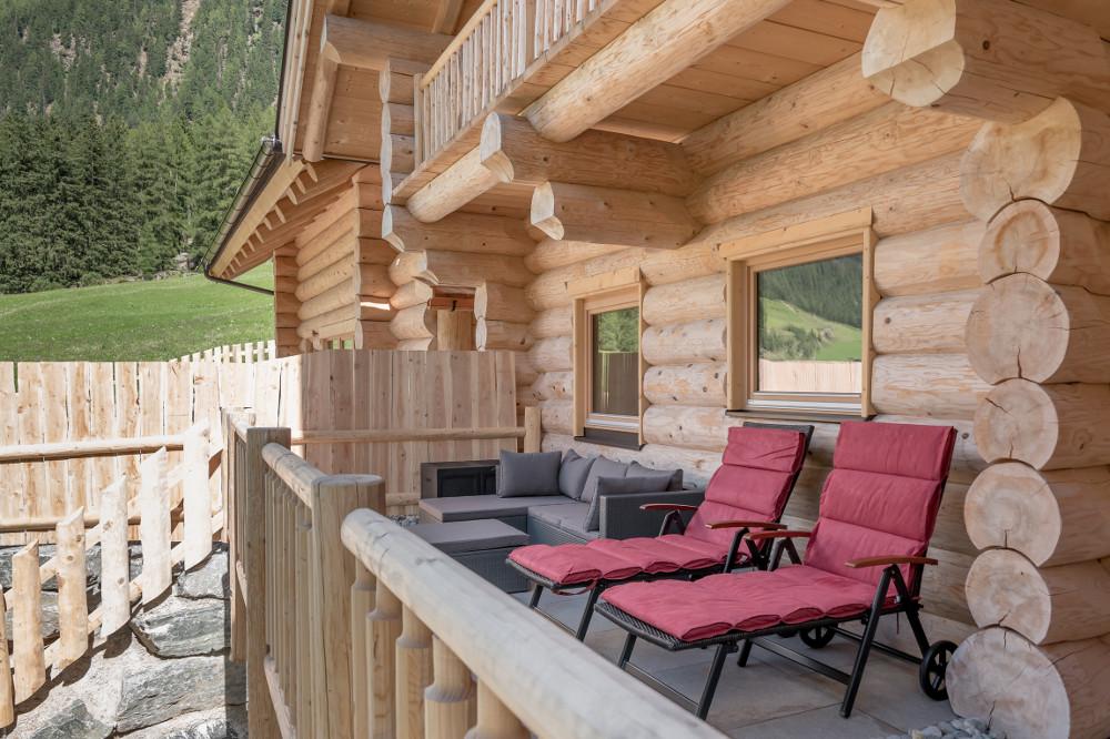chalets in tirol besondere 4 sterne chalets in s lden chalet resort s lden. Black Bedroom Furniture Sets. Home Design Ideas